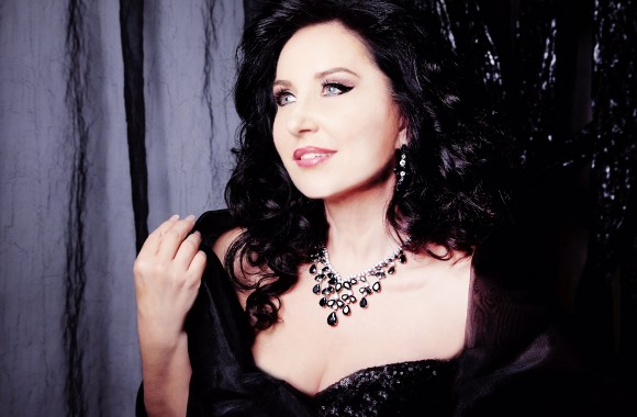 Elena Mosuc 1