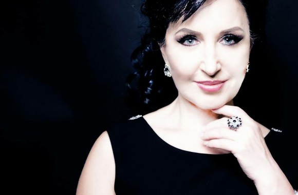 Elena Mosuc 7